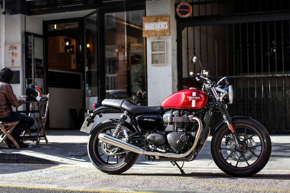 The classic styling of the Triumph Street Twin and low seat height makes it a very accessible bike for anyone in the market for a new motorcycle.