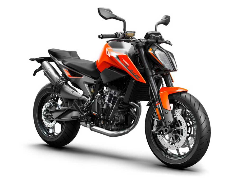 The tallest bike on our list, the 32.5-inch seat height of the KTM 790 Duke is paired well with its low center of gravity.