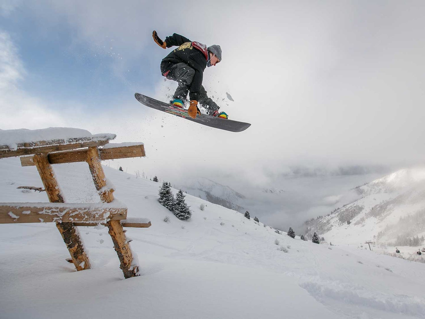 A good pair of snowboard pants will keep you warm, dry, and let any sweat or moisture on the inside evaporate out.