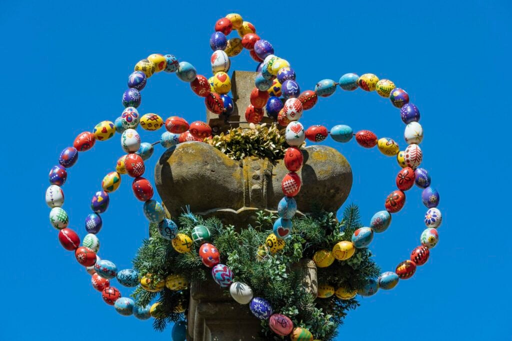 Osterkrone, crown from colorful Easter eggs, Osterbrunnen, Langenburg, Baden-Wuerttemberg, Germany