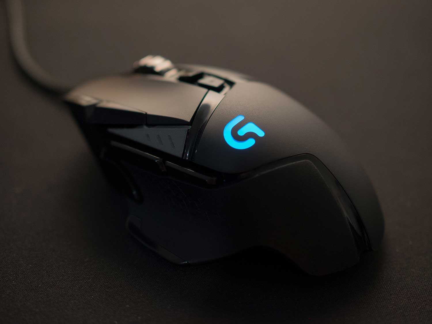 Programmable computer gaming mouse