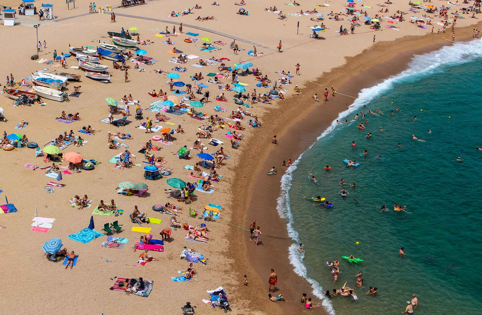 Overhead shot of a crowded beach