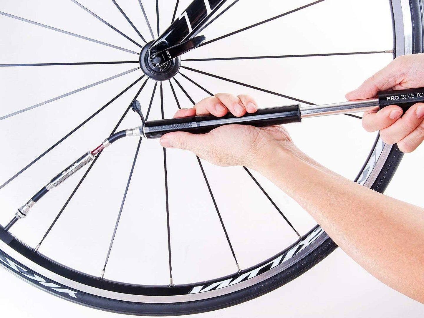 Inflating bike tire with pump