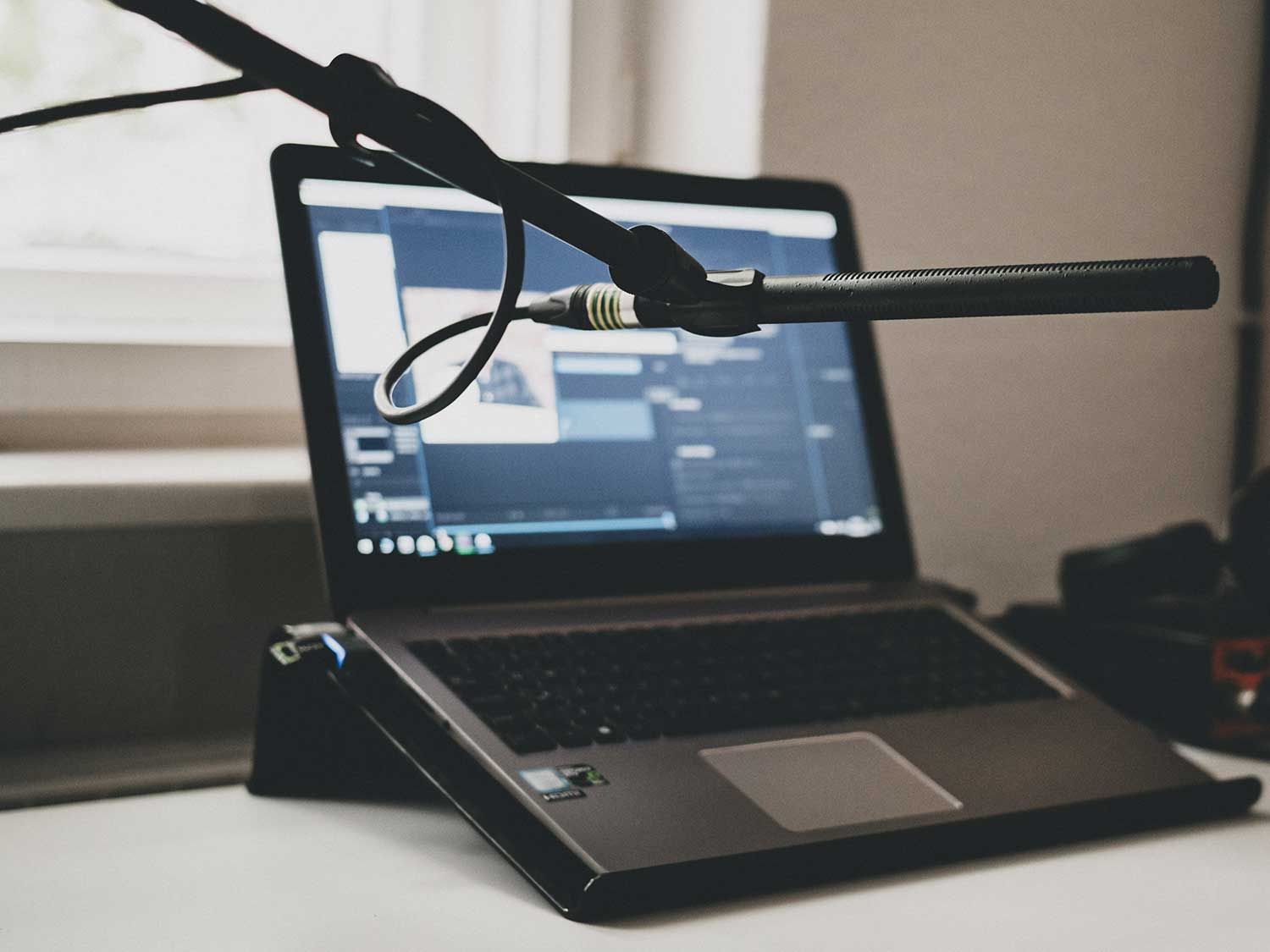 Microphone with laptop.