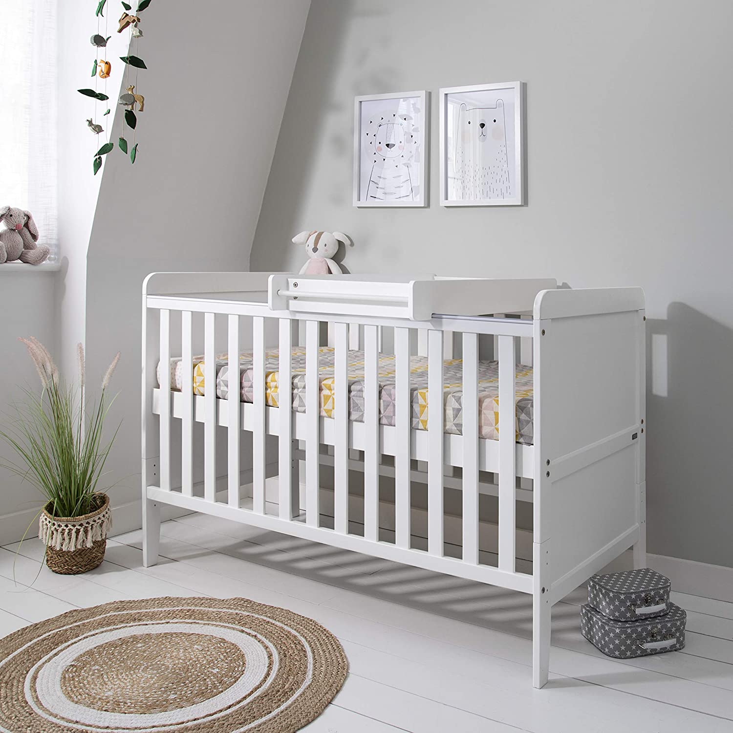 Rio Wooden Cot Bed & Cot Top Changer (Tutti Bambini) - 3 in 1 Convertible Baby Cot Bed, Toddler Bed and Matching Cot Top Baby Changer (White)