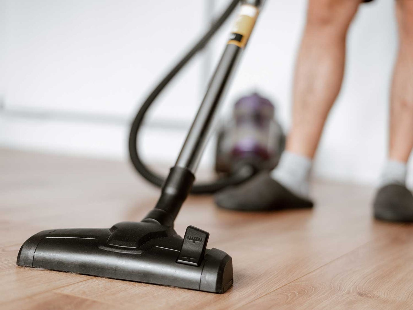 Cleaning with vacuum