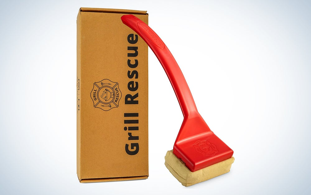 red grill sponge in front of box