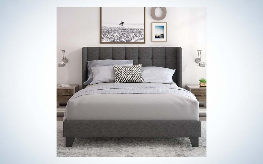 The Einfach Upholstered Wingback Platform Bed Frame with Headboard is the best wingback queen-size headboard.