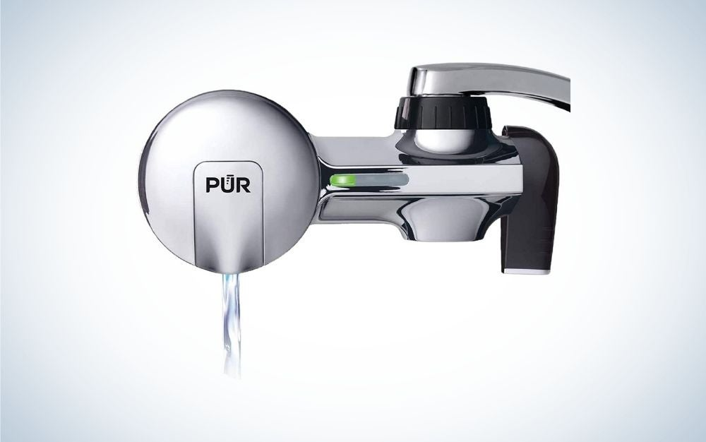 Horizontal, chrome faucet water filter with water coming out
