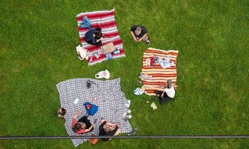 The Best Picnic Blanket for Outdoor Get Togethers